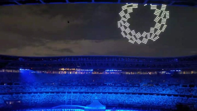 Màn trình diễn tuyệt vời của 1.824 máy bay không người lái tại Lễ khai mạc Olympic Tokyo 2020