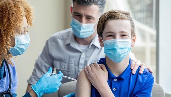 TS Terry F. Buss: Cuộc đua khốc liệt tiêm phòng vaccine Covid-19 giữa chính phủ các nước