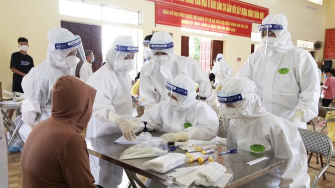 Tối 5/8, cả nước có thêm 3.301 ca mắc COVID-19 mới, đã tiêm hơn 7,5 triệu liều vaccine