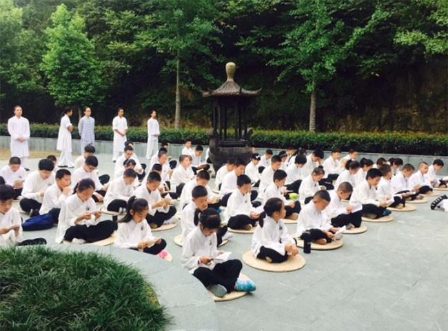 """10 sự thật """"gây sốc"""" về nền giáo dục ở Trung Quốc"""