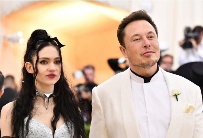 Musk và bạn gái sẽ là cặp đôi kết hôn đầu tiên trong không gian? - giá vàng 9999 hôm nay 221