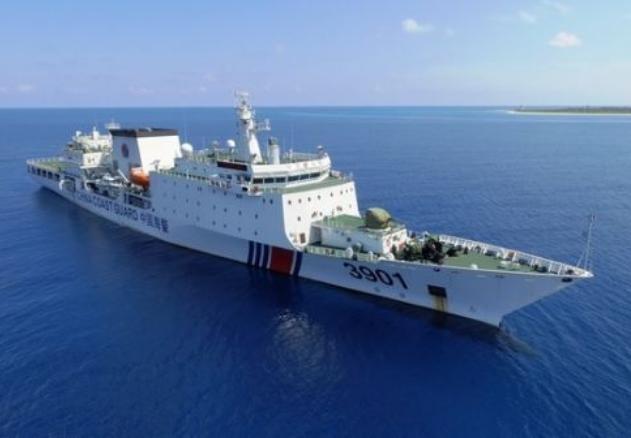 """""""Quái thú"""" 12.000 tấn Trung Quốc lần đầu xuống Biển Đông"""