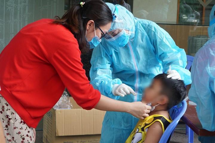 41 em bé trường mầm non Vườn Tuổi Thơ xét nghiệm Covid-19 vì liên quan BN 2999