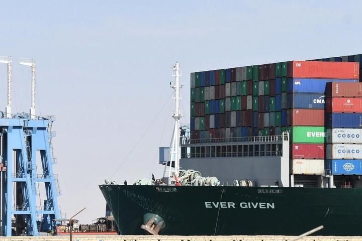 Chủ tàu chắn kênh Suez chưa bị đòi bồi thường