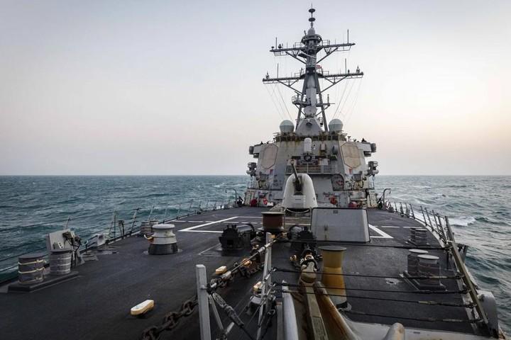 """Mỹ điều tàu băng qua eo biển nhạy cảm, Trung Quốc """"tăng tốc kế hoạch đánh chiếm Đài Loan"""""""