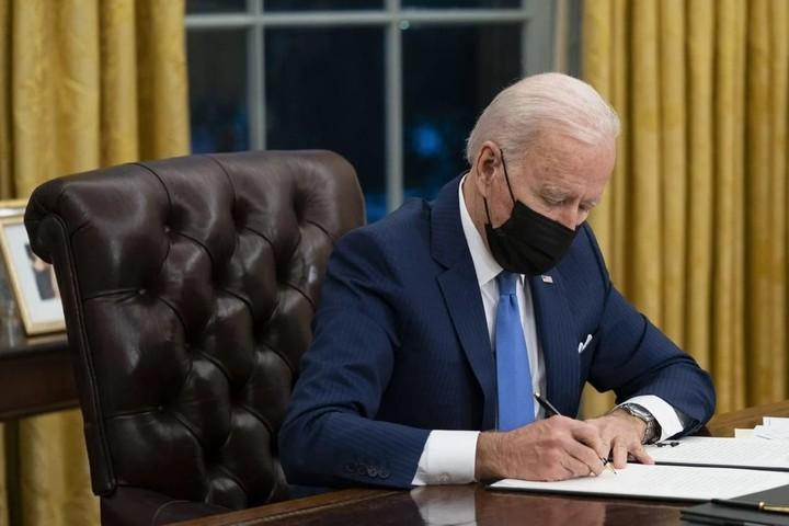 """Tổng thống Mỹ đề xuất ngân sách 715 tỉ USD để đối phó """"thách thức hàng đầu"""" từ Trung Quốc"""
