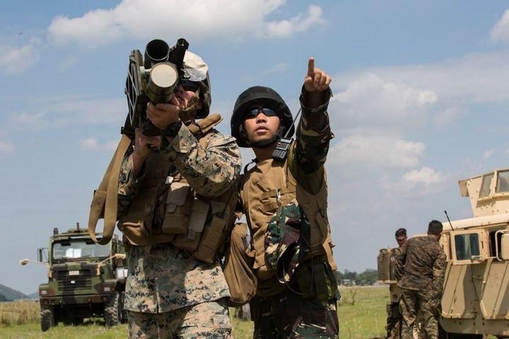 Mỹ ra tay hỗ trợ Philippines như thế nào trong tranh chấp với Trung Quốc ở Biển Đông?