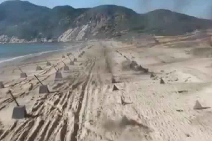 """Trung Quốc rầm rộ tập trận đánh chiếm đảo, tập trận trên Biển Đông """"dằn mặt"""" Anh"""