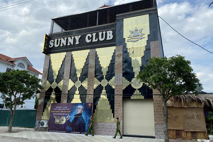 Công an tỉnh Vĩnh Phúc điều tra clip nhân viên quán bar Sunny nhảy múa, thoát y cùng khách