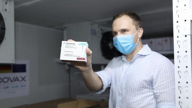 Việt Nam tiếp tục nhận hơn 850.000 liều vaccine COVID-19 AstraZeneca do Đức hỗ trợ