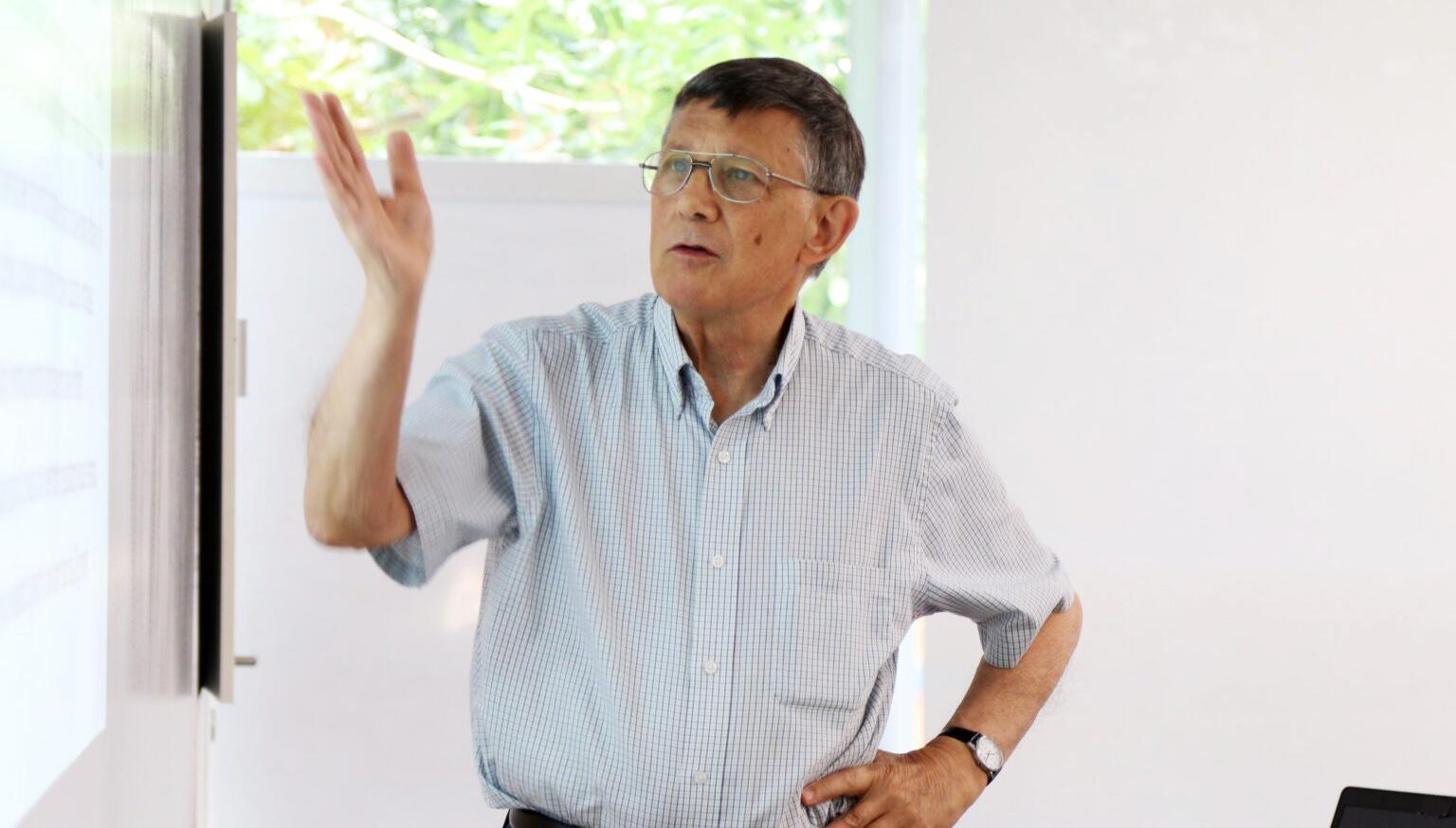 Các nghiên cứu, phản biện chính sách của Giáo sư David Dapice thường xuyên được các nhà lãnh đạo Việt Nam tham khảo (Ảnh: Đại học Fulbright)