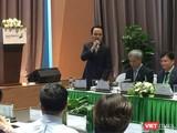 Ông Trịnh Văn Quyết chia sẻ tại buổi tọa đàm (Ảnh: VT)