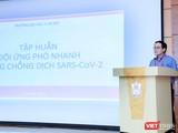 GS.TS. Tạ Thành Văn – Hiệu trưởng Trường Đại học Y Hà Nội – cảm động và tự hào khi hơn 1.000 sinh viên của Trường tình nguyện tham gia Đội phản ứng nhanh