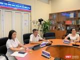 PGS.TS.BS Nguyễn Lân Hiếu - Giám đốc BV Đại học Y Hà Nội - chủ trì buổi KCB từ xa với 5 BV tham gia hội chẩn và 14 đơn vị dự thính
