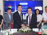 """Trường Đại học Y Hà Nội đã ký kết hợp tác dự án """"Phát triển chip sàng lọc và mô hình dự đoán nguy cơ gây bệnh dựa trên hệ gen người Việt"""" với Viện nghiên cứu Dữ liệu lớn, VinBigdata."""
