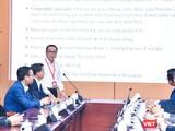 Thay mặt nhóm nghiên cứu, GS.TS.NGND. Tạ Thành Văn –Chủ tịch Hội đồng Trường Đại học Y Hà Nội - báo cáo công tác nghiên cứu và chuẩn bị chương trình tiêm thử nghiệm vaccine COVIVAC