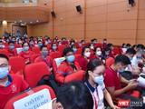 Thầy và trò Trường Đại học Y Hà Nội tình nguyện lên đường vào Bình Dương chống dịch.