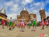 Sun World Ba Na Hills vừa thông tin giảm giá vé cáp treo vui chơi tại Khu du lịch Sun World Ba Na Hills ở mức 200.000 đồng/ người lớn và 150.000 đồng/ trẻ em nhân Kỷ niệm 43 năm ngày giải phóng Đà Nẵng 29/3/1975-29/3/2018.