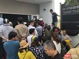 Người mua tập trung tại trụ sở Công ty CP Bách Đạt An tại Khu đô thị Điện Nam-Điện Ngọc để đòi quyền lợi.