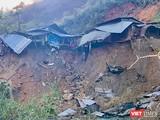 Nhà người dân vùng núi Quảng Nam bị sạt lở do mưa bão gây ra (ảnh CTV)
