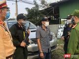 Lực lượng công an Đà Nẵng đang làm việc với tài xế Nguyễn Quách Nguyện