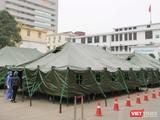 Bệnh viện dã chiến Bạch Mai được hoàn thành chỉ sau 4 tiếng đồng hồ (Ảnh Đỗ Hằng)