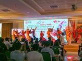 Sinh viên biểu diễn điệu múa truyền thống của Nhật Bản trong khuôn khổ Lễ hội giao lưu văn hóa Việt – Nhật và Ngày hội việc làm Nhật Bản 2021 lần thứ 6 tại Đại học Đông Á