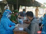 Lực lượng y tế Đà Nẵng siết chặt người và phương tiện ra vào TP