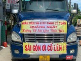 Xe chở hàng hỗ trợ người dân TP HCM khó khăn do dịch COVID-19