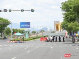Chốt kiểm soát phòng dịch COVID-19 tại nút giao thông cầu Rồng, TP Đà Nẵng