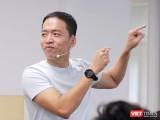 Khiêm tốn nhưng hài hước và tràn đầy cảm hứng sống cũng là cảm nhận của bất kỳ ai đã từng được tiếp xúc với Lê Hồng Minh.