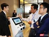 ông Chu Xuân Vinh giới thiệu giải pháo Smart Citizen với những người quan tâm