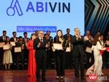 Bà Nguyễn Hoàng Anh nhận giải thưởng Chuyển đổi số Việt Nam 2020