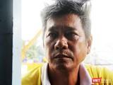 Chú Nguyễn Văn Hoàng (SN 1966), một người dân Thủ Thiêm giờ này vẫn vất vả ngược xuôi mưu sinh, thuê trọ, và không biết tương lai của gia đình mình sẽ trôi dạt về đâu? Ảnh; GVT.