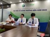 Ông Nguyễn Trung Thành (giữa) trong phiên ĐHĐCĐ mới đây của CapitalHouse.