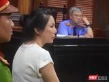 Bị cáo Vũ Thụy Hồng Ngọc đã thuê chém chồng - bác sĩ Chiêm Quốc Thái với giá 1 tỷ đồng