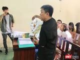 Họa sĩ Lê Linh trình bày trước Hội đồng xét xử tại phiên tòa sáng nay 20/8