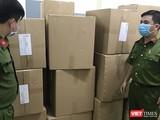 Cơ quan Công an thu giữ tang vật đầu cơ khẩu trang bán sang Malaysia (Ảnh: CA TP.HCM cung cấp)