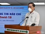 Ông Nguyễn Tấn Bỉnh, Giám đốc Sở Y tế TP.HCM tại cuộc họp phòng, chống dịch bệnh COVID-19