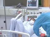 Bệnh nhân mắc COVID-19 điều trị tại cơ sở y tế