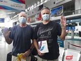 Ca bệnh số 22 và 23 tại sân bay Đà Nẵng ngày 10/4, cũng là ngày được lấy mẫu xét nghiệm khi nhập cảnh vào TP.HCM (Ảnh: Hồ Xuân Mai)