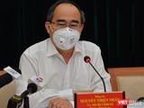 Bí thư Thành ủy Nguyễn Thiện Nhân yêu cầu hỗ trợ gấp, cứu doanh nghiệp khỏi bị phá sản (Ảnh: TTBC)