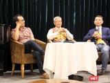 Các giám tuyển gồm có nhà nghiên cứu mỹ thuật Lý Đợi, nhà nghiên cứu mỹ thuật Ngô Kim Khôi và họa sĩ Ngô Trần Vũ (Ảnh: Tiểu Vũ)