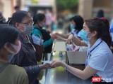 Đón tiếp bệnh nhân đến khám chữa bệnh tại BV Đại học Y Dược TP.HCM (Ảnh: Hoà Bình)