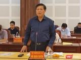"""Có mặt tại """"điểm nóng"""" Gia Lai, Thứ trưởng Bộ Y tế Đỗ Xuân Tuyên nhấn mạnh, Gia Lai cần hết sức tránh lây nhiễm chéo COVID-19 trong bệnh viện. Ảnh: BYT"""