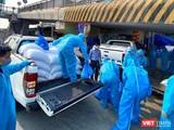 40 tấn gạo được vận chuyển tới các cây ATM Gạo xây dựng ngay giữa tâm dịch Hải Dương (Ảnh: HBG)