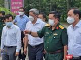 Thứ trưởng Nguyễn Trường Sơn dẫn đầu đoàn kiểm tra (Ảnh: BYT)