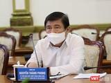 Chủ tịch UBND TP.HCM chỉ đạo tại cuộc họp khẩn sáng 27/5 sau khi phát hiện chùm ca bệnh mới trong giáo phái Phục Hưng - Ảnh: Huyền Mai