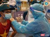 Công tác tiêm vaccine phòng COVID-19 mở rộng cho các đối tượng thuộc Mặt trận Tổ quốc, Hội phụ nữ, dân quân tự vệ (Ảnh: HCDC)