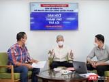 Phó Chủ tịch UBND TP.HCM Võ Văn Hoan giải đáp các thắc mắc của người dân tại chương trình. Ảnh: TTBC